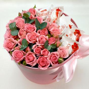 Троянди та Raffaello