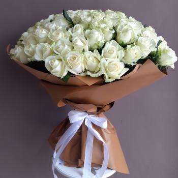 Букет з 101 білої троянди