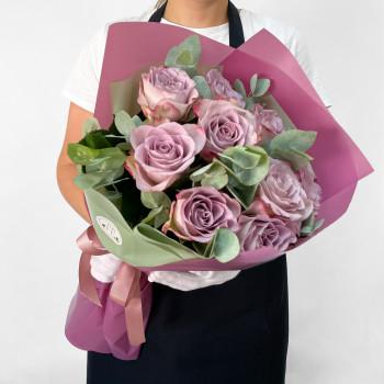 Букет з 9 лавандових троянд та зелені